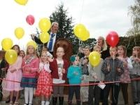Kids releasing ballons at the opening of Croyland Gardens play area, 2011